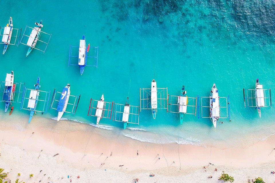 islandhopping el nido drone shot